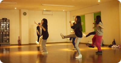トップシーンで活躍するダンサーによるワークショップ